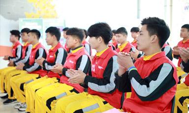 郑州万通·靓车牛人校企定向班开班典礼圆满举行!